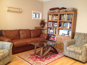$795 Room Available in Leslie April 1 - Shared Acc.
