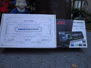 JVC R8-40BT Head Unit& Amp Rack With 2 MTX Power Amps