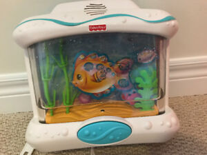 LIKE NEW - Fisher Price oceans wonder aquarium crib mobile