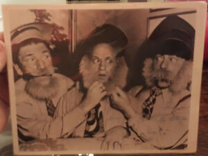 3 STOOGES SIGNED PHOTO-Authenticated Peterborough Peterborough Area image 1