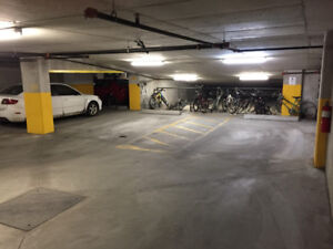 1 indoor parking space for rent Bois Francs Ville saint laurent