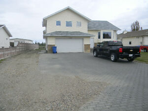 SPACIOUS HOME IN COALDALE $1600 ALL INCLUSIVE!