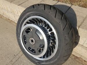 HARLEY DAVIDSON TOURING REAR WHEEL AND TIRE