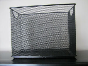 WASTE BASKET / FILE HOLDER