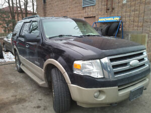 SOLD   2007 Ford Expedition Limited SUV, Crossover