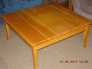 Coffee table for sale London Ontario image 1