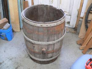 baril antique en bois # 5782