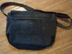 Aeropostale Messenger/Laptop Bag