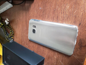 Silver Samsung S7 + Charger + Phone Case