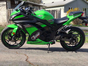 *REDUCED* 2013 Kawasaki Ninja 300 Special Edition