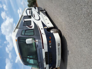 36 FT.    2006  GEORGIE BOY MOTORHOME  SLEEPS 6
