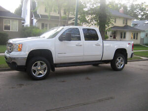 2013 GMC Sierra 2500 HD SLT   Z71 BEST DEAL OUT THERE.