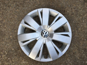 1 ENJOLIVEUR ORIGINAL VOLKSWAGEN 16po