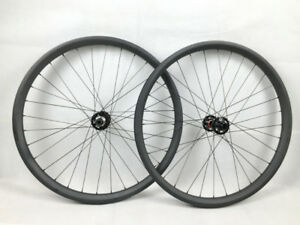 29+ XM Carbonspeed wheels with Bontrager 29 x 3 inch tires