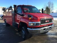 2008 GMC 5500 service truck body VMAC air, 16000lb crane