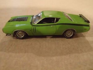 1:64 SCALE DIE-CAST GREENLIGHT MCG 1971 DODGE CHARGER R/T J-6 GR