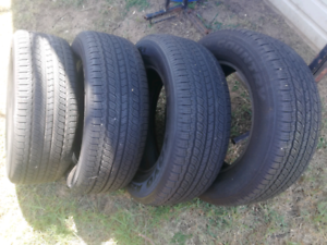 Nissan navara np300 tyres 255/60 r18 only done a 1000kms