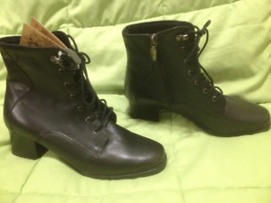 New Black College Classic Leather Laced Winter Boots 8M
