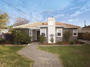 Room for rent in spacious Fairfield house Fairfield Darebin Area Preview