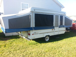 12 ft Tent Trailer Excellent Condition (Amherst, NS)