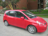 2007 Honda Fit rouge excellente condition