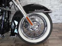 Harley Davidson Heritage Softail Classic 2017 *Low miles and mint!*
