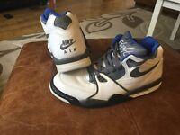 Nike air flights U.K. 7 vgc white blue grey trainers boots