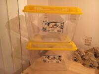 2 Marchioro Small cricket / locust keeper