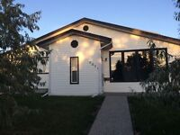 4+1 Beds 3 Baths Double Garage House for rent in Parkview