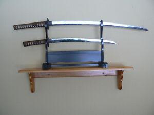 Katana Samurai Two sword Set with stand West Island Greater Montréal image 2