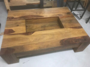 Artemano Rosewood Light Brown coffee table - perfect condition