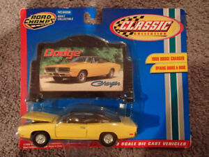 1:43 SCALE DIE-CAST ROAD CHAMPS 1969 DODGE CHARGER Y-2 YELLOW