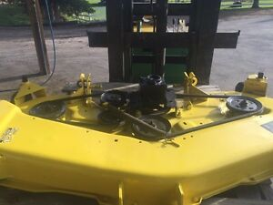 Parting out : John Deere 425 mowing deck