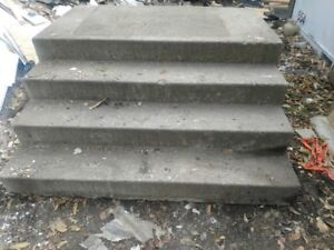 Four-steps Concrete stairs