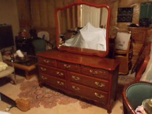 Large vintage wood dresser with 7 drawers and framed mirror