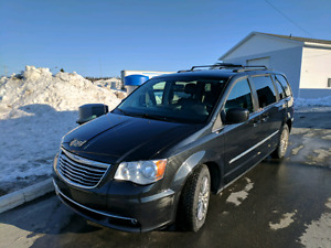 Chrysler Town & Country 2013 Touring