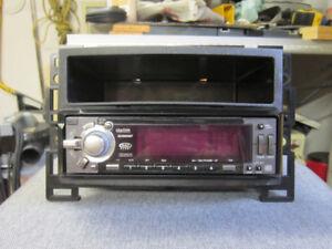 Clarion  Audio Deck DXZ665MP