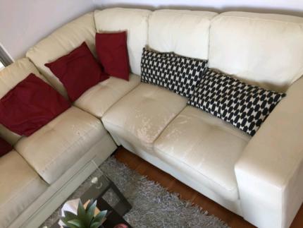 FREE - 3 piece vinyl sofa lounge