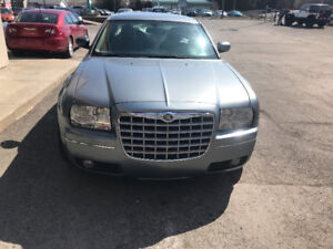 2006 CHRYSLER 300 TOURING AWD - BLUETOOTH