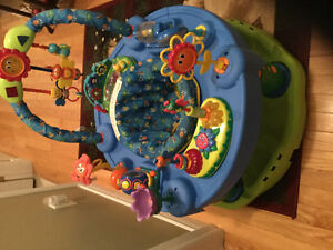 Evenflo exersaucer in excellent condition
