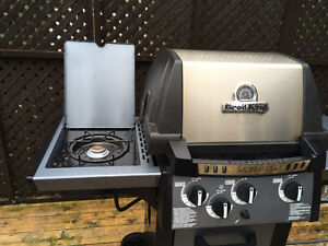 Broil King BBQ- Excellent Condition Kitchener / Waterloo Kitchener Area image 4