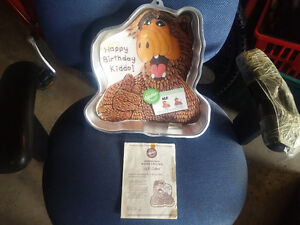 1987 Alf cake tray with instructions Rare