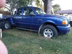 4.0l manual 2003ford ranger edge 800$
