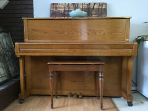 Young Chang Upright Piano For Sale