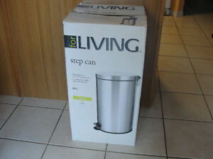Stainless Steel Garbage Can, 40-L