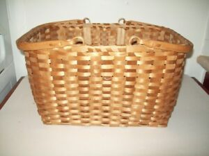 LARGE PRIMITIVE BASKET CHRISTMAS DISPLAY OR ANYTIME OF YEAR