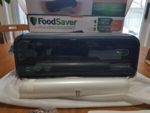 Food Saver FM 2000 used only once, was a gift but not our thing