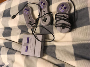 Mini SNES in perfect condition