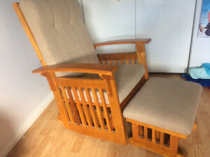 Rocking Chair / Glider