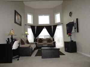 Beautiful 2 BED ROOM + 2 full bathroom with underground parking